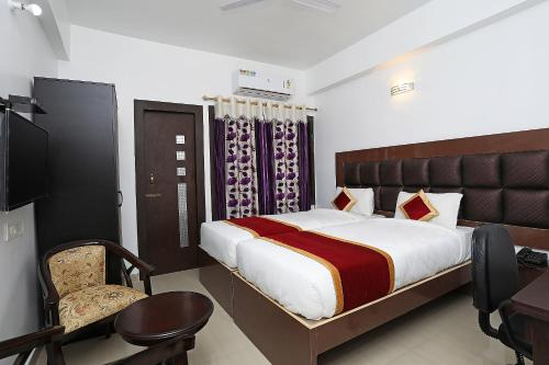 OYO Rooms 170 Hotel Galaxy