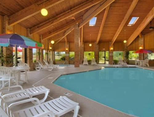 Baymont Inn and Suites Muskegon