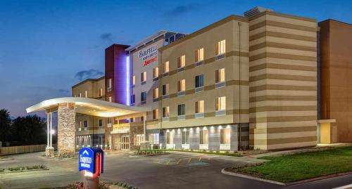 Fairfield Inn & Suites by Marriott Lincoln Airport